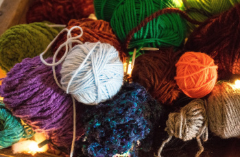 Lavorare a maglia per una buona causa