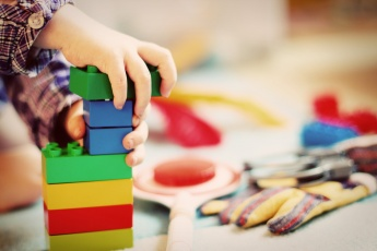 Eine Online-Petition der Elterninitiative Südtirol fordert eine familienfreundliche, kindgerechte und bezahlbare Kleinkindbetreuung in Südtirol.